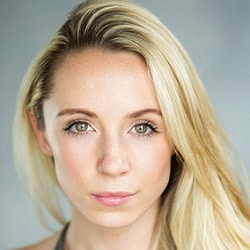 Ashley Runeckles Headshot